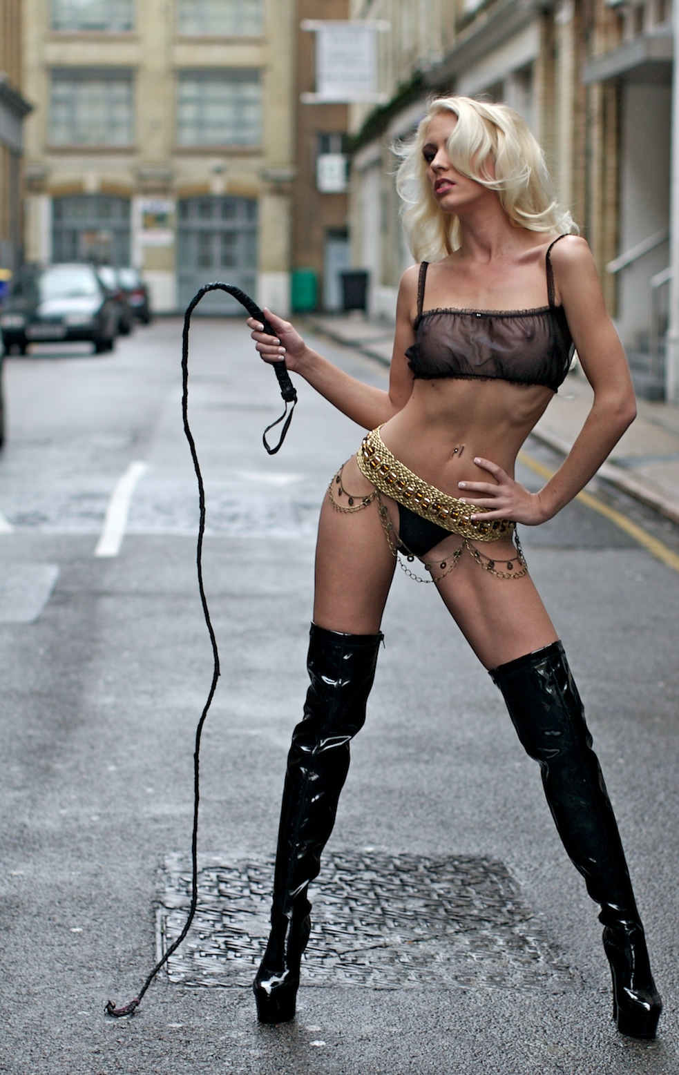 Image of model Shelly Radley in a London Backstreet